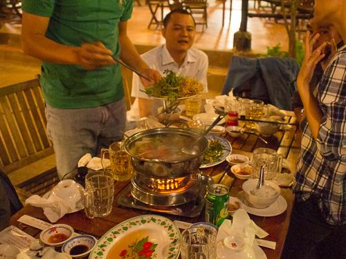 ベトナム飲み会のしめは鍋
